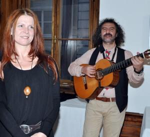 حسناء وعزف اوروغواي في المعرض