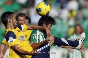 ريال سوسييداد يهرب من قاع الليجا بفوزه على بيتيس 3-2