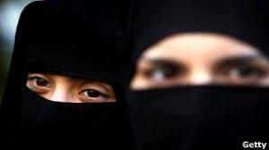 كندا تحظر ارتداء النقاب في مراسم الحصول على جنسيتها